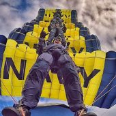 Navy Parachute Team: Leap Frogs